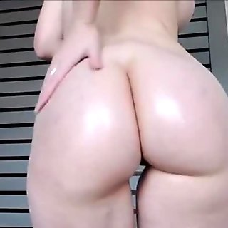 Big Ass Loraine Hd on webcam - more videos www.girls4freewebcam.com