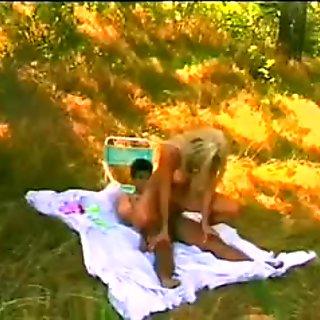 Blonde Milf fucked Outdoor