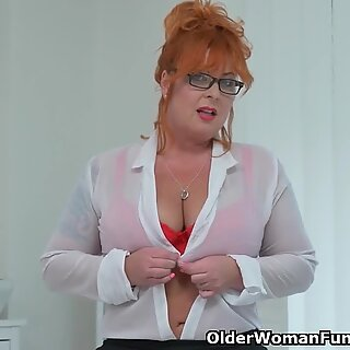 euro cougar Alex tucks her pussy with a cock shaped dildo