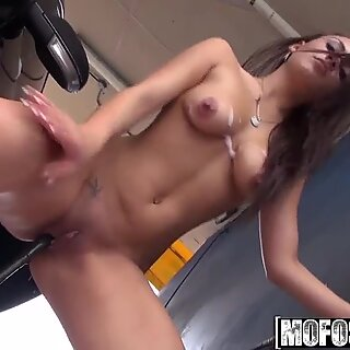 Mofos - Shes A Freak - (Nova Brooks) - Climax In The Car Wash