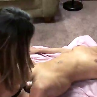 Leeanna Heart is fucking horny MILF Lavender Rayne