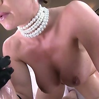 Beauty is sucking cock hungrily video