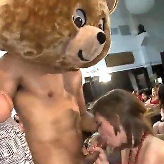 30  Sluts sucking party dick  291