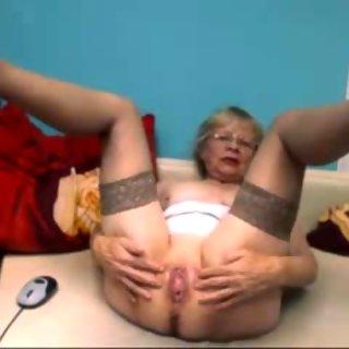 More sweet slut on cam