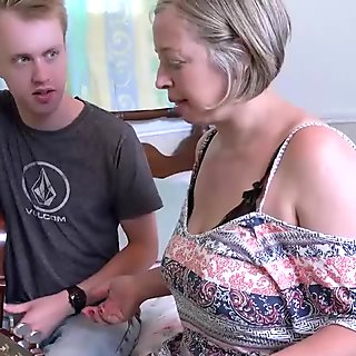 Mature gets a lesson from young couple