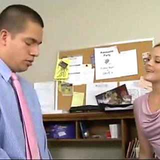 Sex at the office 487