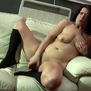 Brunette housewife mom getting her pussy wet