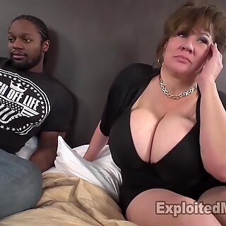 Sexy mommy with ample titties Takes BBC