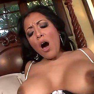 Sexy MILF Kiara Mia Fishnet Stockings Deepthroats And Fucked