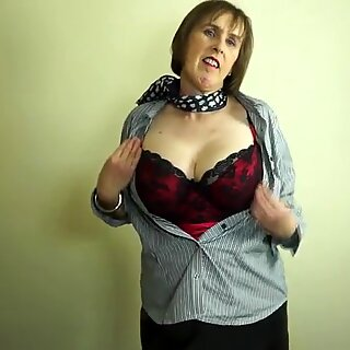 Naughty British mature mom playing with her hairy pussy