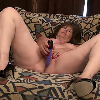 USAwives Mature Pictures Collection Slideshow