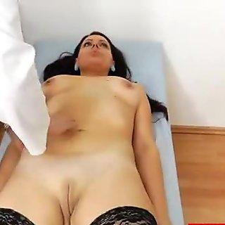 Little Lida gets fingered by her doctor