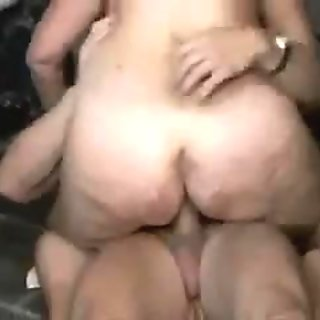 Hot mature in toilet 3
