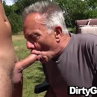 Old Gunther Gets Lost in a Hot Twink