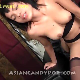 Thaise meisje gee