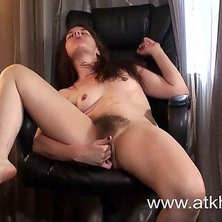 Horny Jackie Paige Masturbates Her Hairy Pussy