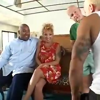 Mature hottie in heat gets her ass pounded